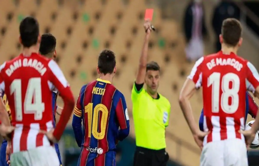 Barcelona, Lionel Messi Gets First-Ever Red Card in Club Football Career as lost to Athletic Bilbao in Spanish Super Cup Final